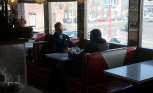 S03E16-Holmes Rankin in diner