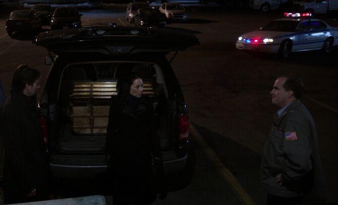 S01E18-Watson caught