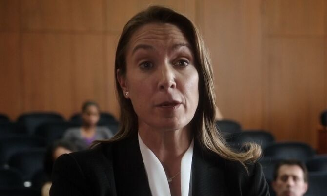 S02E10-Cassandra Walker