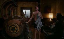 S06E04-Holmes Watson Victorian chamber