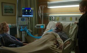 S07E02-Gregson at hospital