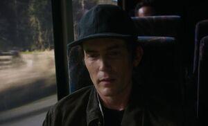 S06E07-Michael on bus