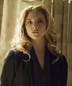 File:006 Heroine episode still of Irene Adler 250px.png