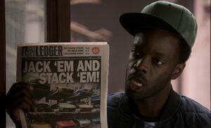 S03E21-Alfredo and paper