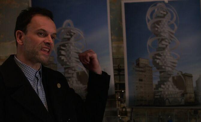 S04E15-Holmes 2 buildings
