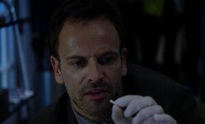 S02E01-Sherlock w plastic