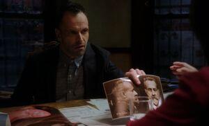 S02E17-Holmes Bertillon
