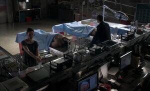 S02E02-Watson Holmes morgue