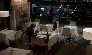 S02E01-Mycroft Watson dinner