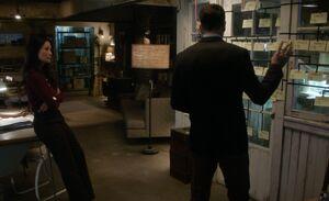 S04E16-Watson Holmes Baskerville tree