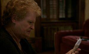 S05E16-Margaret dead doll