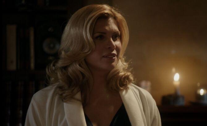 S01E19-Ms Hudson head shot