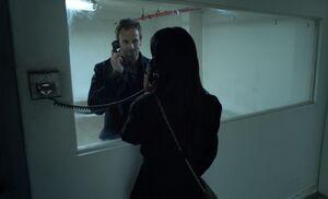 S01E01-Watson Holmes in jail
