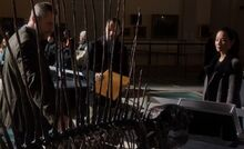 S02E14-Thomas Holmes Watson dino