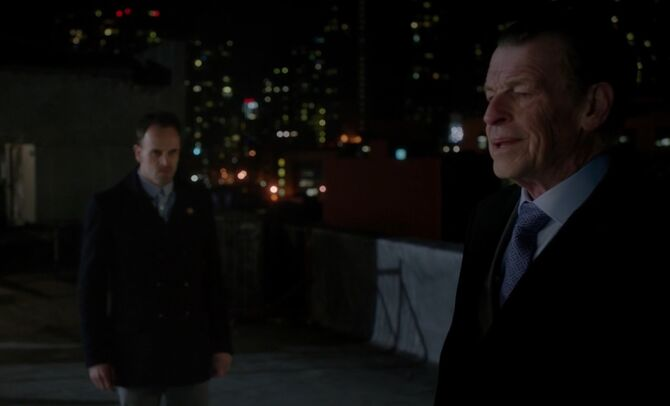 S04E24-Morland Sherlock rooftop1