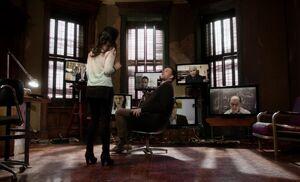 S01E17-Watson Holmes media room