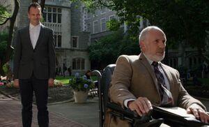 S03E04-Holmes threatens Pyke