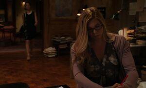 S03E07-Ms Hudson scanner duty