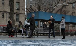 S01E16-Holmes w basketball