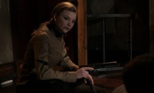 S01E24-Moriarty w gun