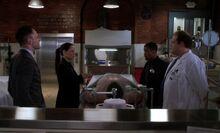 S03E21-Holmes Watson Bell Hawes
