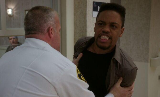 S05E21-Marcus enraged