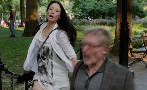 S02E01-Watson batons Tomsa