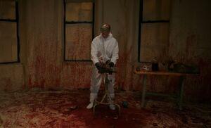 S05E19-Holmes blood splatter