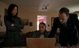 S06E15-Valentina Watson Holmes