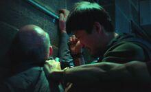 S04E14-Sven stabbed green