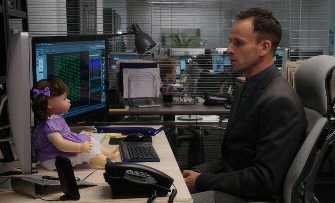 S03E04-Bella and Holmes