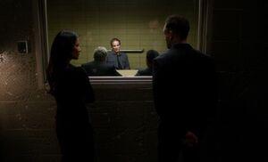 S04E22-Tetch in box