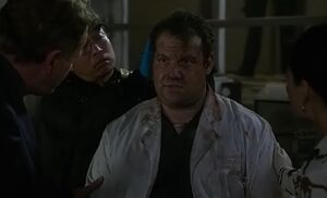 S04E11-Hawes post explosion