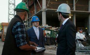 S06E01-Holmes construction site