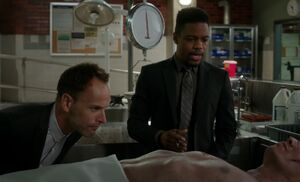S05E05-Holmes Bell morgue
