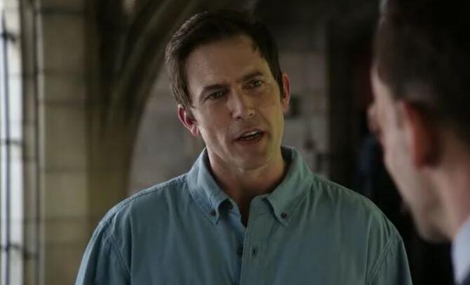 S06E01-Michael Rowan head shot