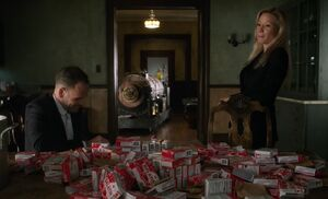 S07E04-Holmes Watson gelatin