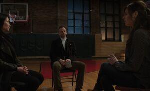 S02E17-Meeting Sarah