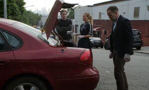 S07E02-Car trunk