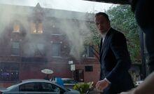 S07E07-Holmes explosion