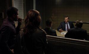 S03E11-Davis in box