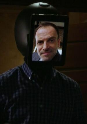 S06E19-Holmes teleprescence