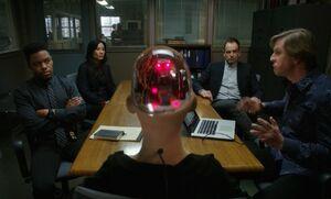 S06E16-Meeting room w Skylar