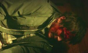 S06E21-Michael beaten green