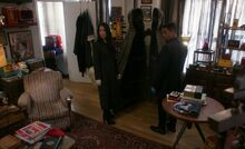 S05E20-Watson Bell magician home