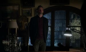 S01E14-Holmes challenges Ennis
