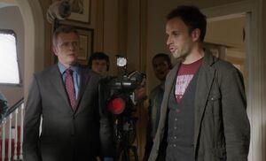 S01E03-Holmes TV camera
