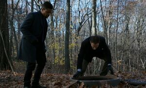 S05E12-Bell Holmes manhole