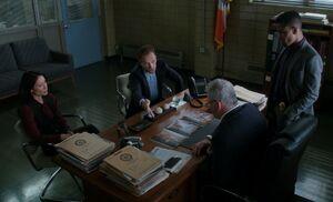 S05E06-Gregson office