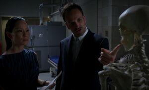 S04E04-Watson Holmes skeleton